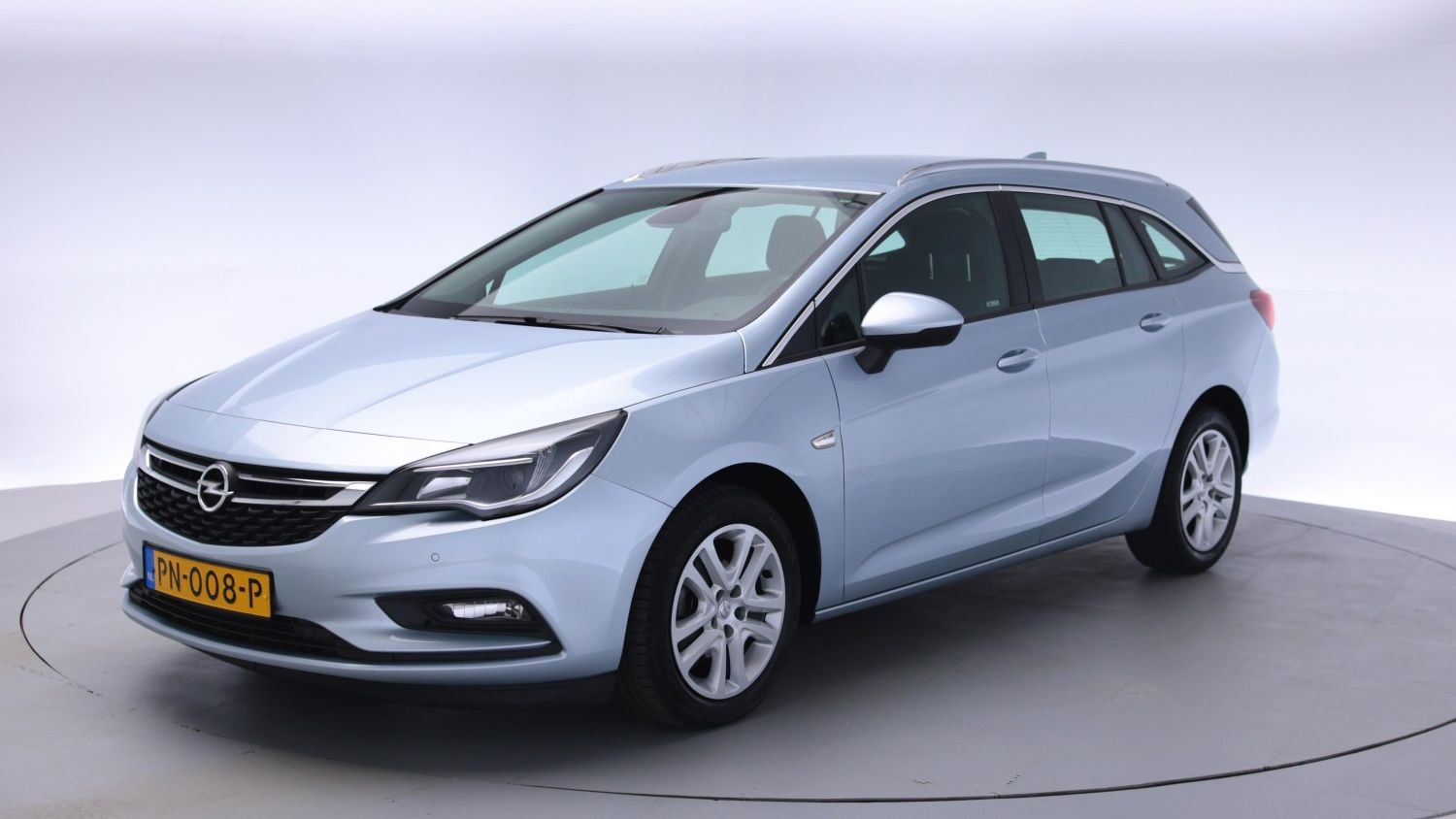 Opel Astra Station 2017 PN-008-P 1