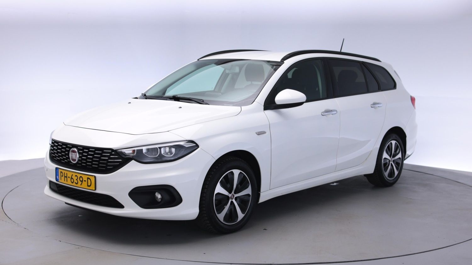 Fiat Tipo Station 2017 PH-639-D 1